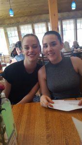 Emma und Lata nach der Abschlußvorstellung in Blue Lake